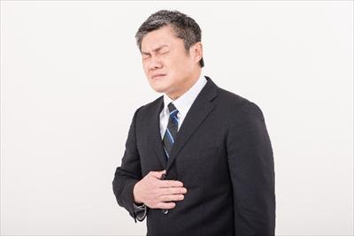 胃、背中の痛み。