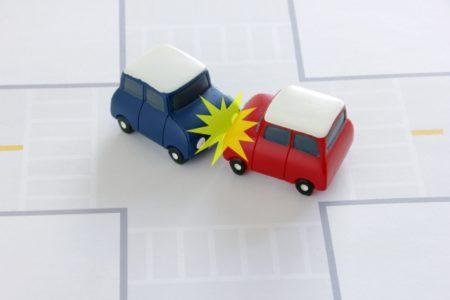 交通事故で、通い続けても変わらないのは?